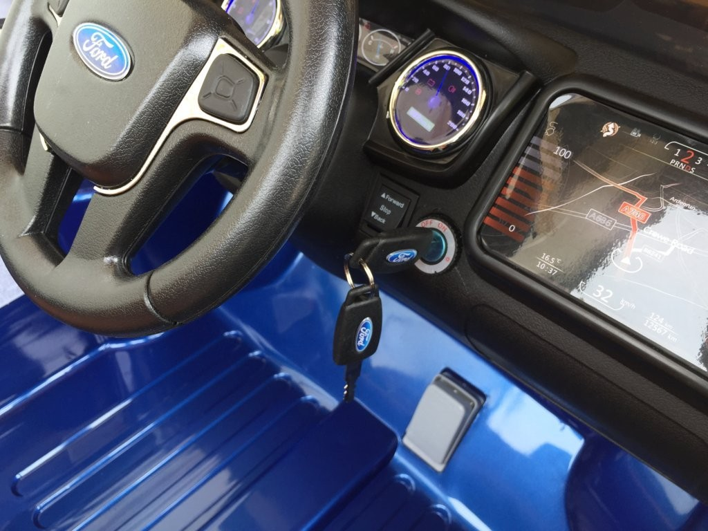 Comprar-coches-infantiles-Ford-azul-12V-Interior-D