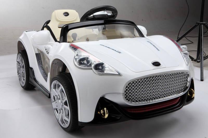 1-coche-gt-deportivo-blanco
